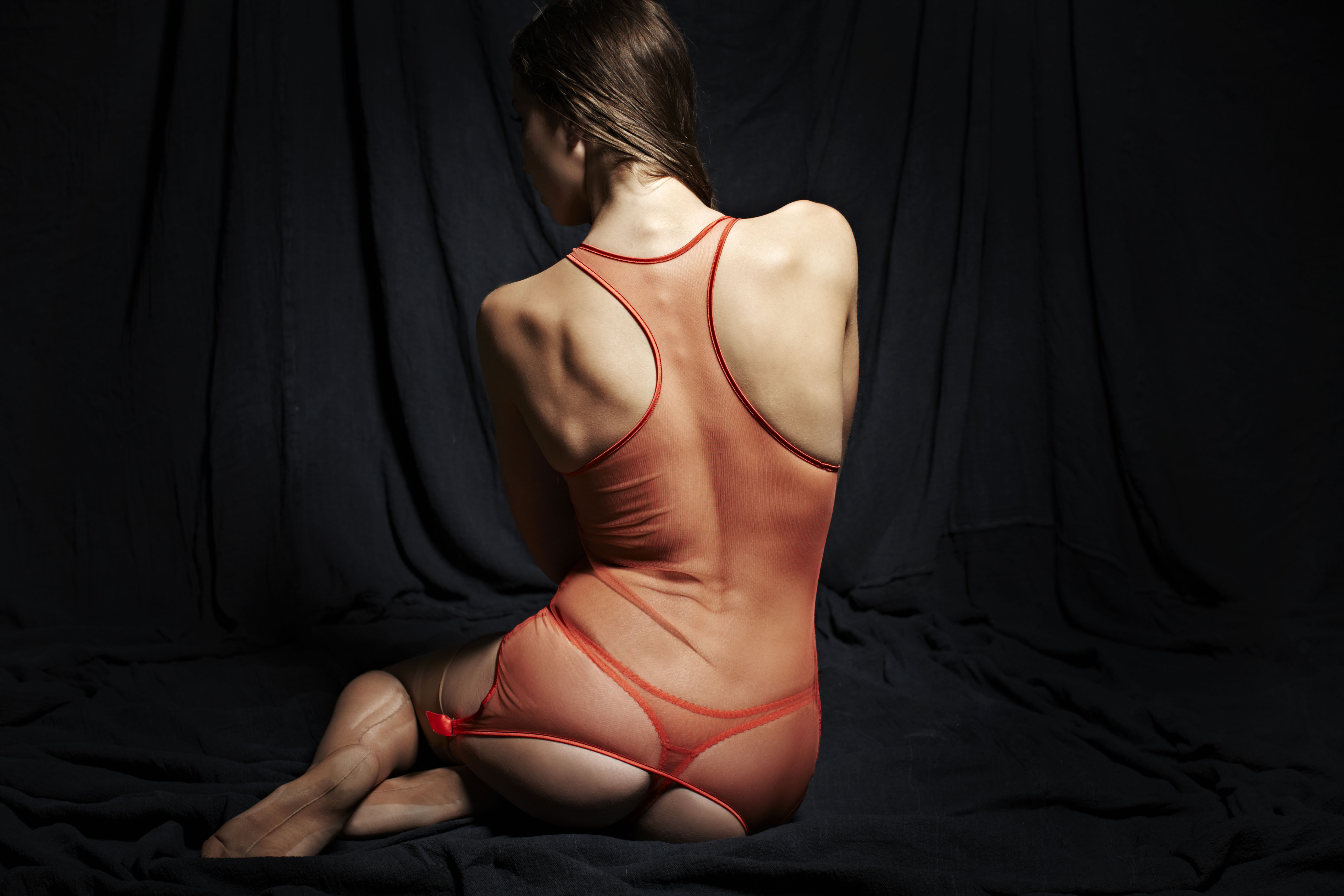 Fluer of Enland tiger-suspender-cami-and-thong-back