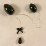 Sylvie Monthule double egg black