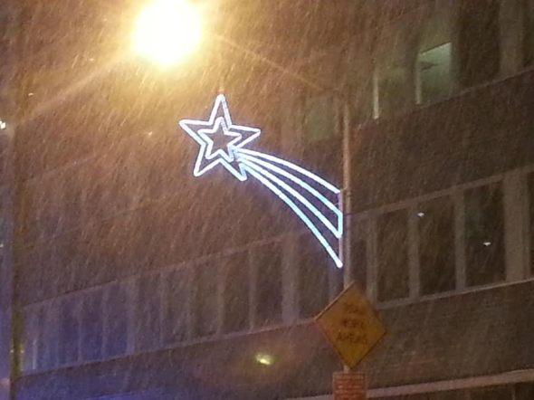 Snowfall with Star