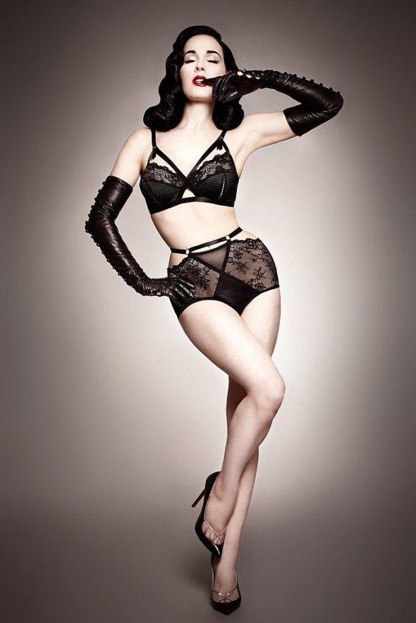 Dita-Von-Teese-Lingerie Madame X