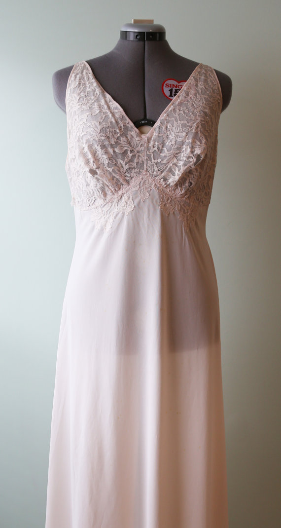 1970s Glamourous Blush Maxi Length Silk Nightgown with lace Bodice and Lovely Back