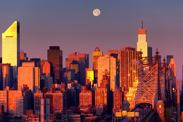 morning-moon-over-nyc-12-11-11
