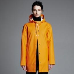 stutterheim stockholm-orange-front-woman_1