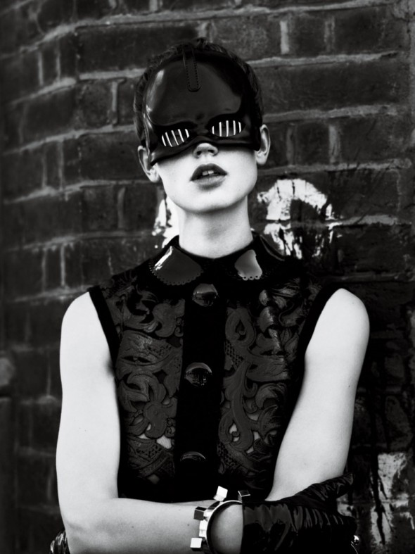 strict-Dress Dickey Belt Handcuff and Boots Louis Vuitton. Mask Void Of Course. Gloves Causse Gantier.