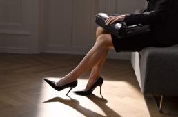 businesswoman-wearing-heels