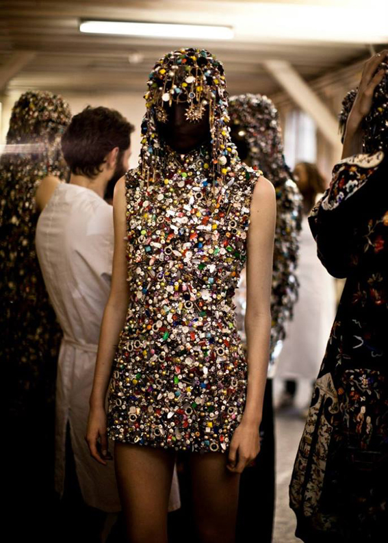 Fantasy presentation outfits maison martin margiela dievca for Galliano margiela
