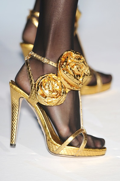 moschino gold sandals with roses