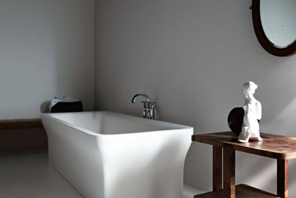 Bathtub Agape-Bathrooms-Time-Regained-2