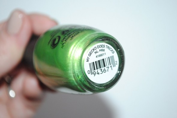 OPI-hawaii-my-gecko-does-tricks-review-639x427