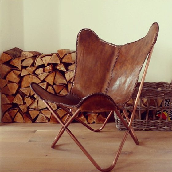 copper-frame-leather-stitching-butterfly-chair-take