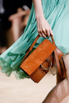 CHLOÉ-Faye-small-leather-and-suede-shoulder-bag