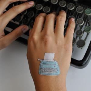 tattly_julia_rothman_typewriter_web_applied_02_grande