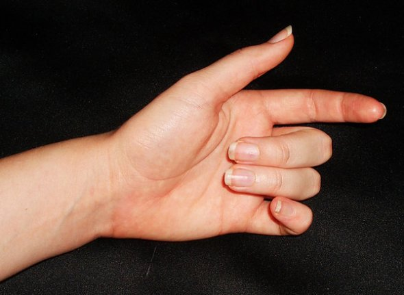 hand_poses_04_by_stockyourselfout