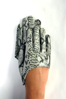 Ines Snakeskin half gloves