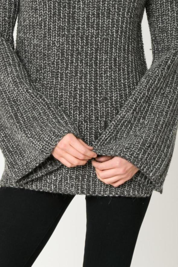 sleeve movint-bell-sleeve-chunky-sweater-grey-e1304639_l