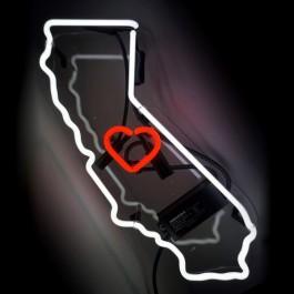 Oliver-Gal-California-Neon-Sign-6efb9fe9-a208-4cb1-a75a-a19ad65f3f7d_600