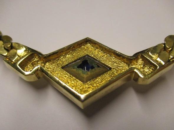 Christian Dior Vintage Collar Jewel back