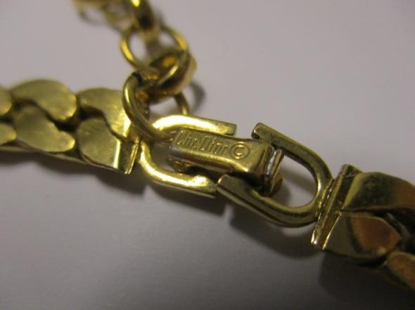 Christian Dior Vintage Collar mark
