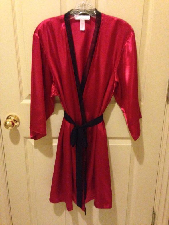 Oscar de la Renta Red Satin Robe