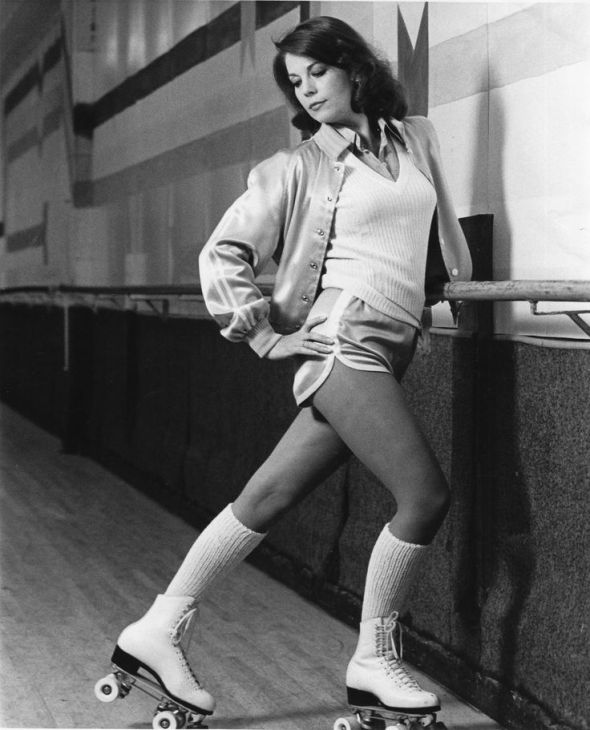 Vintage Roller Skating Girls Natalie Wood