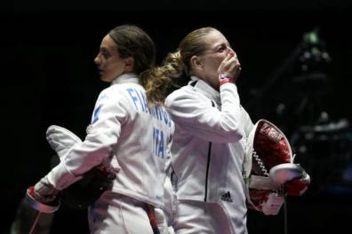 2016 Rio Olympics - Fencing - Final - Women's Epee Individual Gold Medal Bout - Carioca Arena 3 - Rio de Janeiro, Brazil - 06/08/2016. Emese Szasz (HUN) of Hungary (R) celebrates winning the match. REUTERS/Issei Kato
