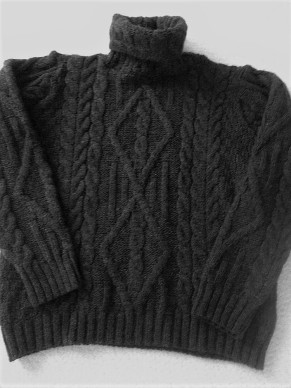 Inis Crafts black Cable Turtleneck sweater