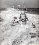 exuberance at the beach--iconic-photos-marylin-monroe