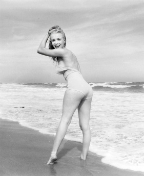 exuberance at the beach marilyn-monroe-curves-marylin-monroe