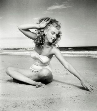 exuberance-at-the-beach-marylin-monroe