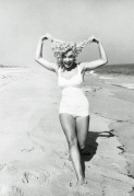 exuberance on the beach Marilyn_Monroe_at_Amagansett_Beach_in_the_Hamptons__by_Sam_Shaw_1958__10_