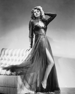 rita-hayworth negligee