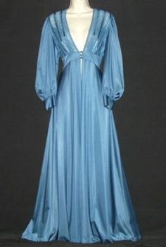 Vintage Lily of France Moody Blue peignoir