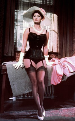 sophia-loren-corsetry-lingerie-figure-
