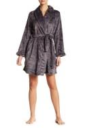 DANSKIN - Embossed Fleece Robe