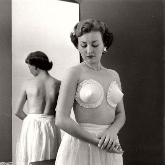 vintage-the-adhesive-bras-1949-07