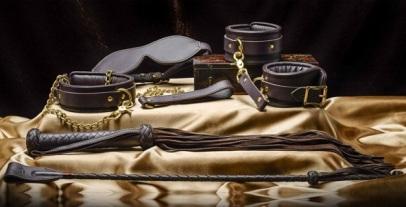 Coco de Mer BDSM leather