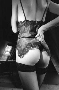 Derriere dans un Grenier Jean Loup Sieff 1988 stockings