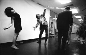 leonard-freed-new-york-city,-office-party,-1966 2