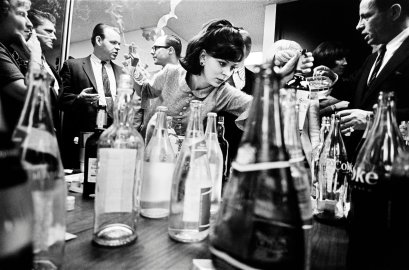 leonard-freed-new-york-city,-office-party,-1966 7