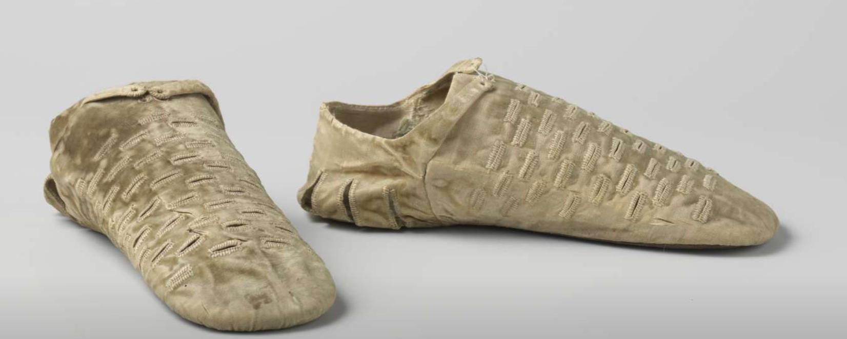 Tudor Foot Bag with Slashes