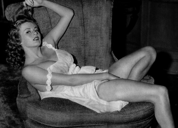Anita Ekberg lingerie masturbation