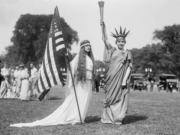 Women dressed up in Washington, DC July 4 1919. GHI-Universal History Archive via Getty Images