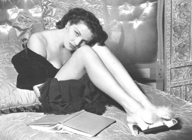 Jane Russell Knees