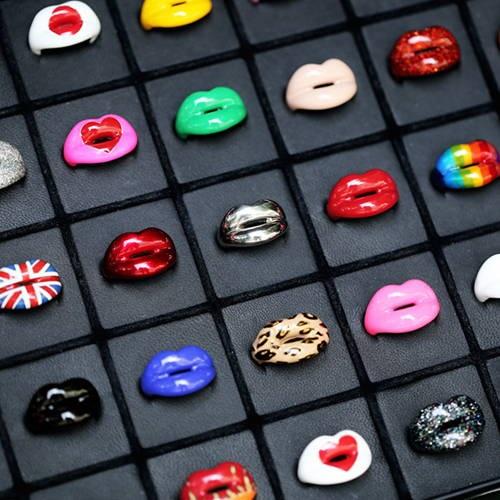 Solange Hotlips rings